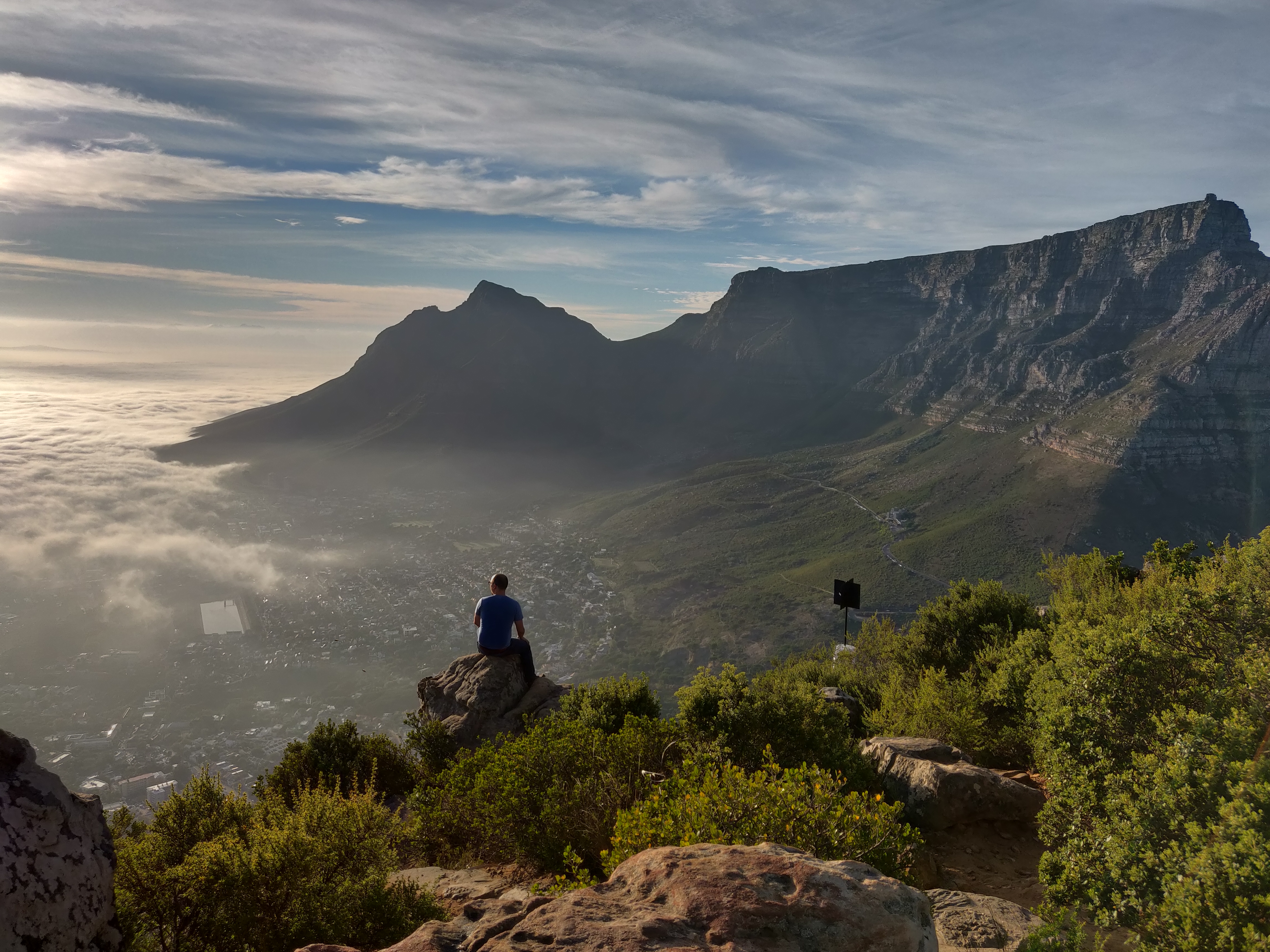 Views-from-Lions-Head-at-Sunrise-in-Cape-Town-South-Africa