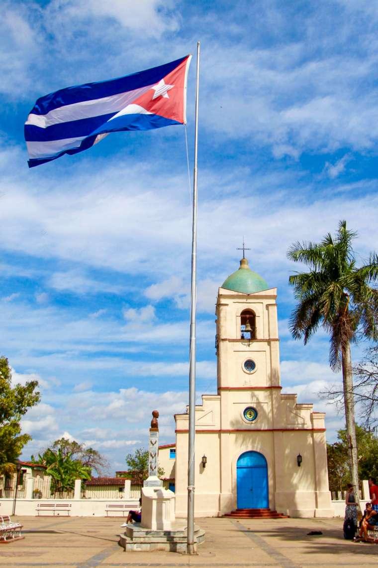 plaza mayor vinales cuba